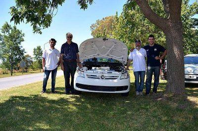 Ya marcha sobre ruedas el primer auto eléctrico desarrollado por ingenieros de la UNLP