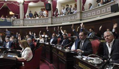 Vidal logró la adhesión de la Provincia a la ley de Riesgos de Trabajo