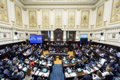 Confianza eterna: ¿Se pueden juntar los bloques peronistas de la Legislatura?