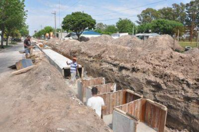 Se incrementa la queja de los vecinos en Trenque Lauquen por la mala señalización de lugares donde se ejecutan obras públicas