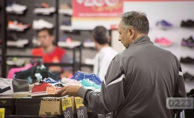 Las grandes cadenas comerciales contratarán menos personal para esta temporada