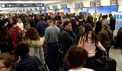 Cancelan vuelos en Aeroparque por reclamo contra la reforma previsional