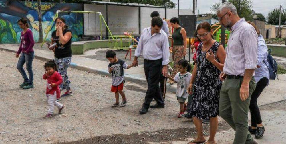 Gabriel Yedlin recorrió el barrio El Sifón y visitó centros comunitarios