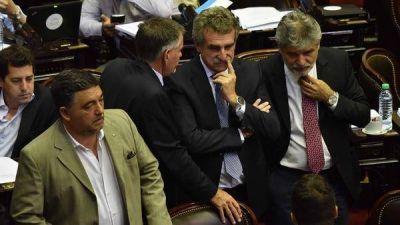 Guerra de relatos: para Cambiemos la reforma previsional beneficia a los gobernadores y para el kirchnerismo es un