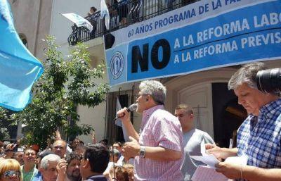 Gremios marcharon contra el cambio jubilatorio en Córdoba