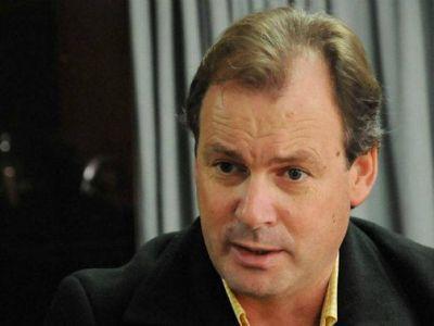 Bordet se refirió a la forma del gobierno de comunicar el bono