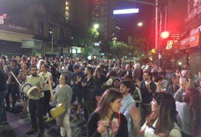 Cacerolazos en distintos lugares de la Ciudad contra la reforma previsional