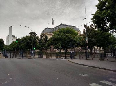 Una Legislatura súper blindada para un día de tensión en la provincia de Buenos Aires