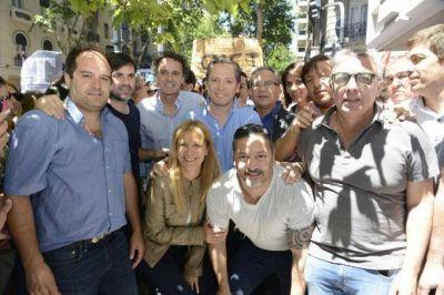 Intendentes peronistas se mostraron juntos y se movilizaron contra la reforma previsional de Macri