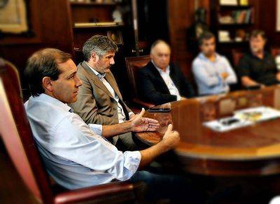 Garro avanzará con la reducción del gabinete municipal y eliminará 70 cargos políticos