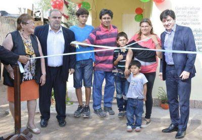 El Gobierno de la Provincia inauguró viviendas en Capital y La Banda