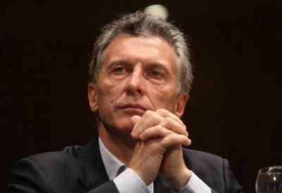 Macri firmó el decreto del bono compensatorio