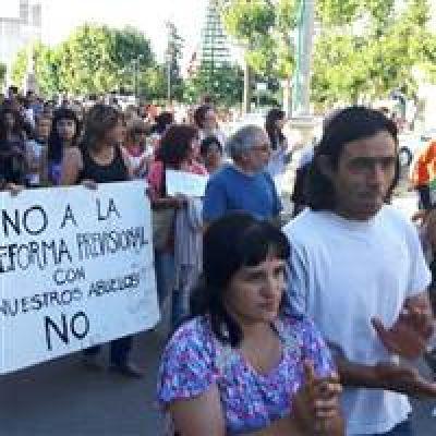 Bolivarenses le dijeron NO a la reforma previsional