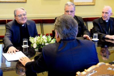 La Iglesia interrogó al Gobierno por la reforma jubilatoria y la violencia policial