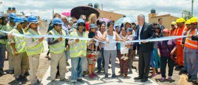 """Inauguraron importantes obras en el barrio """"Luca Arias"""""""
