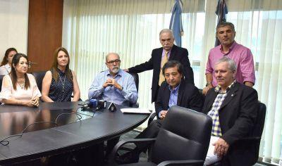 El ministro de Economía, Jorge Ibáñez, ratificó el pago del sueldo y aguinaldo el 21 y 22