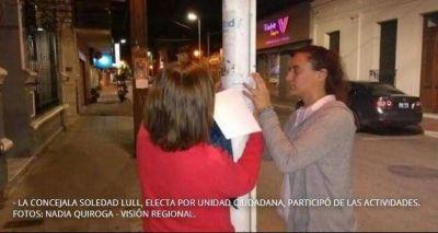 """Concejala de UC de San Pedro pegó carteles que advierten """"saqueos en diciembre"""""""
