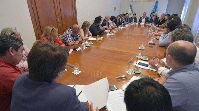 Arcioni se reunió con Artero y los jefes de comunas rurales