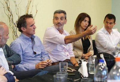 Randazzo se reunió con dirigentes de Cumplir de la Primera Sección