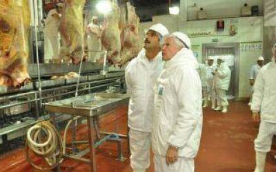 Sarquís recorrió ampliación del frigorífico ArreBeef en Ramallo donde crearán 300 nuevos empleos