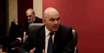 Tras entrevistarlo, legisladores rechazan a un aspirante a fiscal