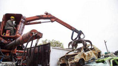 Quilmes: continúa el programa de compactación de vehículos