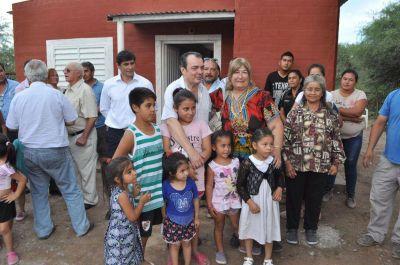 Familias de Villa Río Hondo accedieron a nuevas viviendas