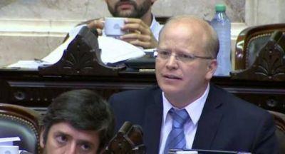 Contigiani defendió su voto contra las reformas de Nación