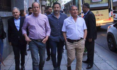Se reúne el PJ bonaerense y convoca a Massa y Randazzo