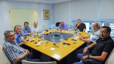 Cumbre con Hugo Moyano y Luis Barrionuevo de la mesa chica de la CGT para evitar la fractura de la central