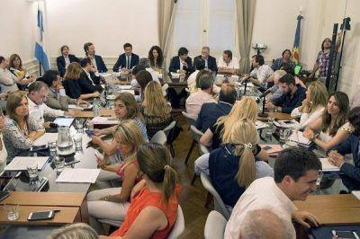 Lacunza reunió a todos los bloques políticos para dar detalles del Acuerdo Fiscal