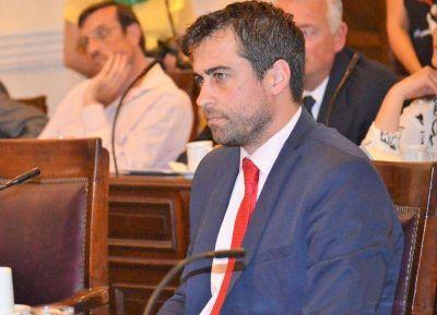 Medina salió con los tapones de punta contra la reforma previsional