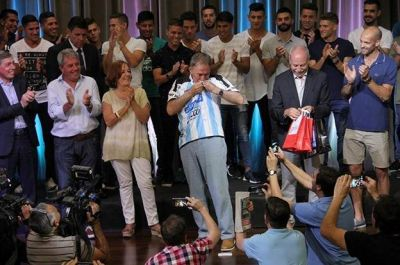 Los jugadores de Racing fueron homenajeados por el gobernador Juan Schiaretti