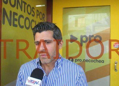 Los bancarios escrachan a Domínguez Yelpo por traidor
