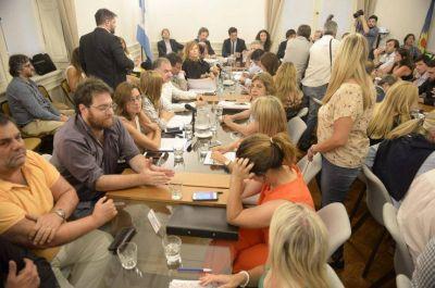 Lacunza pisó la Legislatura para consensuar con propios y ajenos la adhesión al pacto fiscal