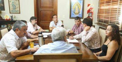 Ajuste de la política: Salazar pidió la renuncia a todos los funcionarios para achicar el gabinete