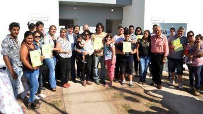Inauguraron 70 viviendas en Añatuya