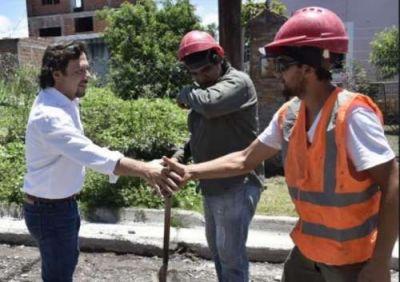 Sáenz recorrió y verificó avances de obras en la zona oeste y centro