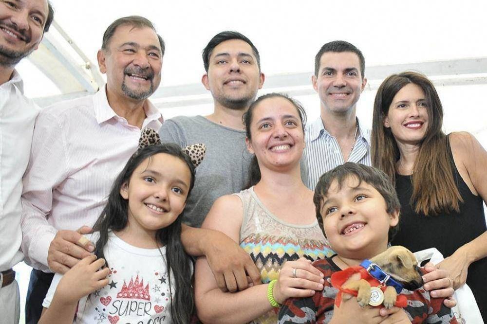 Urtubey entregó más de cien casas en barrio El Huaico