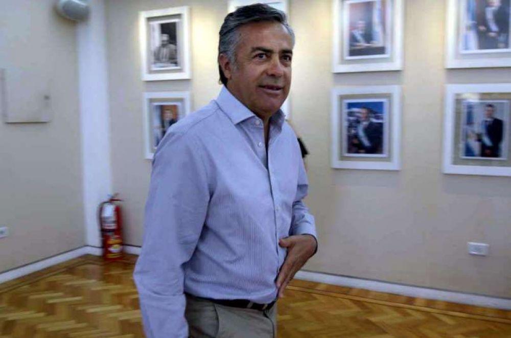 Cornejo cancela un crédito que sacó Jaque por U$S 100 millones