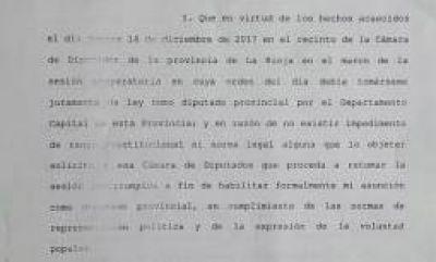 Felipe Alvarez reclamó que le permitan asumir su banca