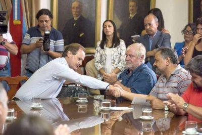 Firmaron el pase a planta de cinco mil trabajadores