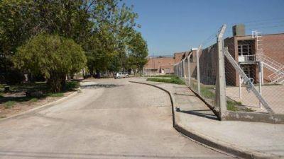 Avilés inauguró la obra de adoquinado en el acceso al colegio IPEM 359