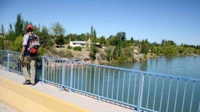 Polémica en Las Perlas por la contaminación del río Limay