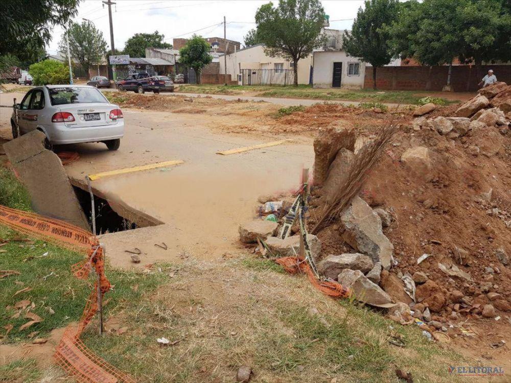 Pluvial de avenida Frondizi, una obra inconclusa que genera problemas y riesgos