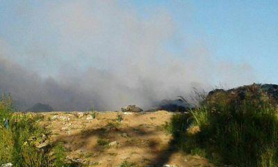 Basural: vecinos denuncian que continúa incendiado