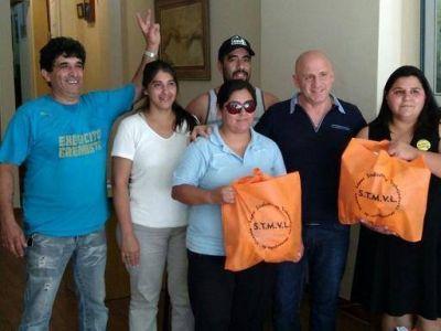 El Sindicato de Municipales de Vicente López recibió a los trabajadores despedidos de PepsiCo que siguen en conflicto