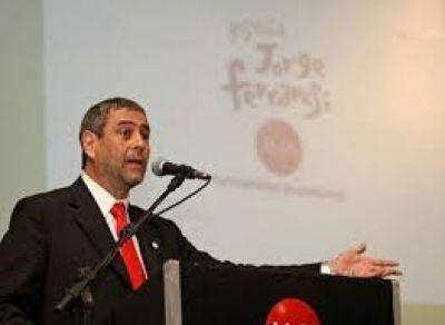 "Ferraresi anunció que Avellaneda ""no acepta la extorsión de Vidal"" e incorpora 800 trabajadores"