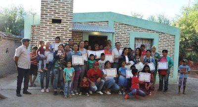 Entregan viviendas sociales en la localidad de Bajo Grande