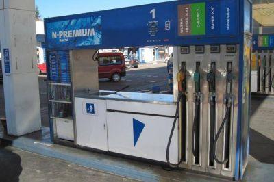 La suba del dólar anticipa otro aumento de los combustibles, esta vez en torno al 5 por ciento
